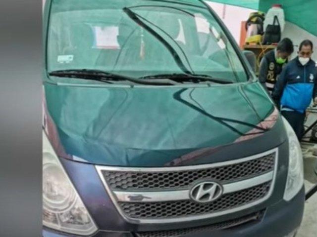 Recuperan miniván que le fue robado a una mujer en San Isidro