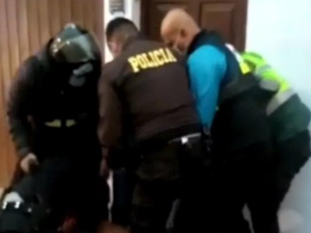 Detienen a sujeto que intentó huir en camioneta tras notar presencia policial
