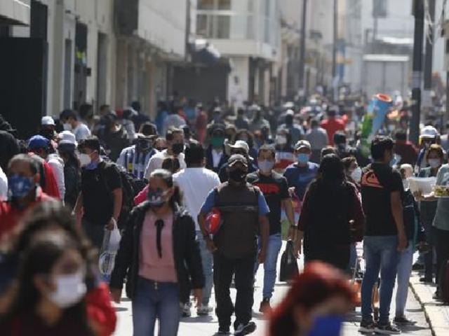 COVID-19 en Perú: cifra de contagiados disminuyó 29 %