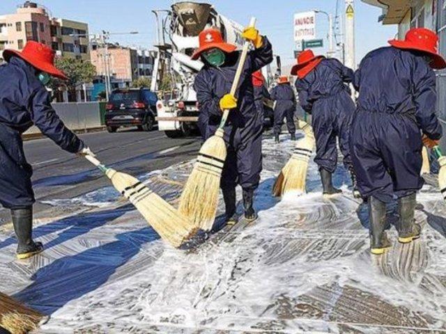 Arequipa: desinfectan calles aledañas al hospital Goyeneche para prevenir contagios por COVID-19
