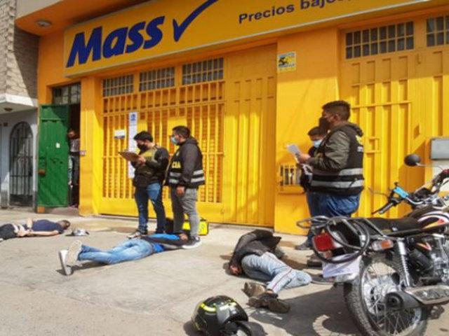 Balacera en SMP: capturan a 4 falsos repartidores de delivery que asaltaron minimarket