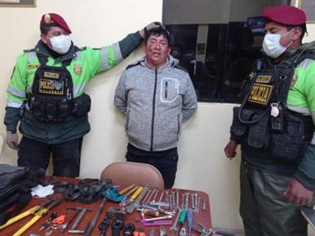 Puno: sujeto es detenido mientras huía robando moto de Policía