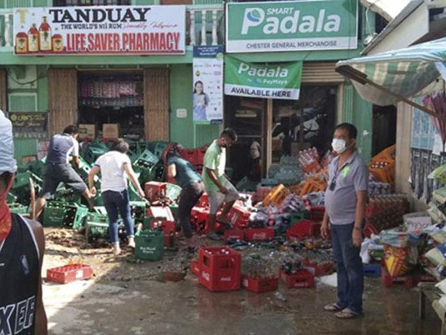 Fuerte sismo remece el centro de Filipinas dejando muertos y heridos