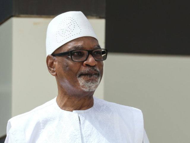 Malí: presidente Ibrahim Keita dimite tras ser retenido por militares