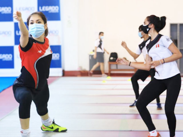 Esgrima peruano reactivó sus entrenamientos presenciales