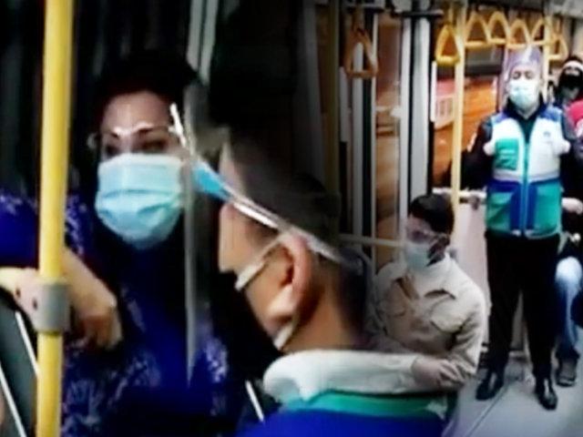Metropolitano: bajan a mujeres de bus por querer viajar de pie