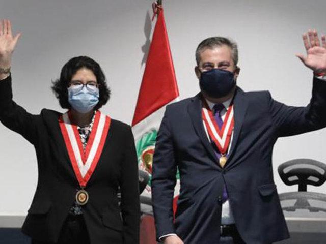 Carmen Velarde y Piero Corvetto juraron como jefes de Reniec y la ONPE