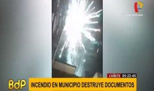 Cañete: incendio afectó archivos en sede de la municipalidad provincial