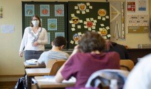 Alumnos de varios países de Europa retornaron a clases en medio de la pandemia