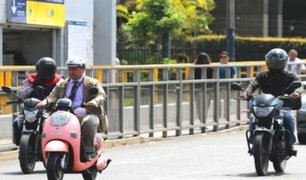 Se incrementa imprudencia de motociclistas en medio de mafia de brevetes