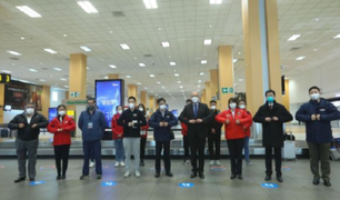 Especialistas chinos llegan a Perú para ensayo clínico de vacuna anticovid