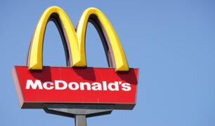 McDonald's pagaría millonaria multa por negar agua para beber y usar baños a personal