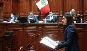 """Ministro de Defensa pide """"responsabilidad"""" al Congreso ante posible censura a titular de Economía"""
