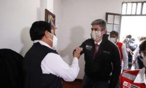 Mincul entregó apoyo económico a trabajadores de la cultura en Ayacucho