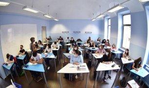 Italia: estudiantes retornan a las aulas tras reapertura de colegios