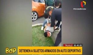 Trujillo: capturan a sujetos armados que conducían auto deportivo