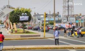 Chimbote: árboles se pusieron mascarillas para concientizar ciudadanos sobre COVID-19
