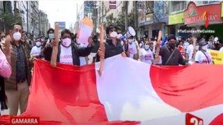 Comerciantes de Gamarra realizan plantón y denuncian supuesta represión