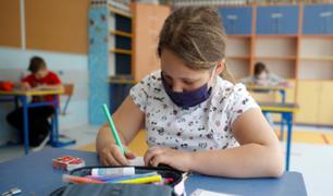 EEUU: 7 millones de estudiantes regresan a las clases presenciales bajo estrictos protocolos