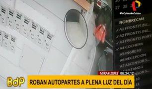 Miraflores: captan a delincuente robando autopartes a plena luz del día