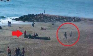 Simulan jugar fulbito para que su cómplice robe mochila en playa Agua Dulce