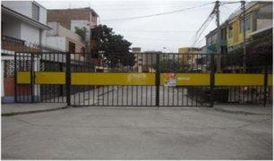 Comas: vecinos y ambulantes enfrentados por colocación de rejas en calle