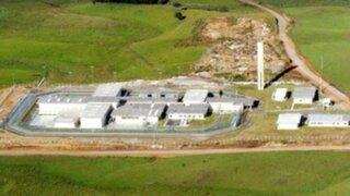 Brasil: 34 presos con COVID-19 se escaparon de la cárcel por un túnel