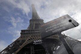 Torre Eiffel reabre tras ser evacuada por una alerta de bomba