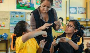 Más de 4 mil niños y jóvenes con discapacidad auditiva reciben educación inclusiva