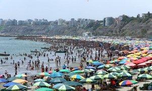 ¿Deben cerrarse las playas para prevenir una segunda ola COVID-19?