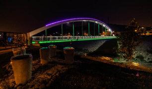 FOTOS: iluminación de puente malecón Checa se convierte en nuevo atractivo de SJL
