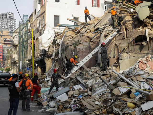 Beirut: hallan posibles signos de vida entre escombros a un mes de la explosión
