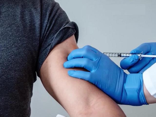 Farmacéutica Moderna: nuestra vacuna contra COVID-19 genera anticuerpos en ancianos