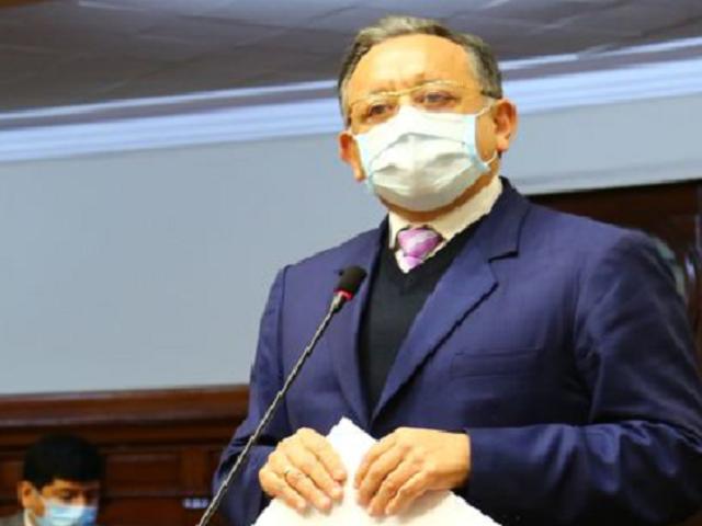 Edgar Alarcón presentó dos denuncias contra el legislador Luis Roel