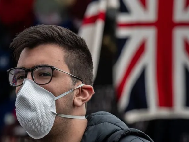 Europa endurece restricciones tras aumento de casos COVID-19