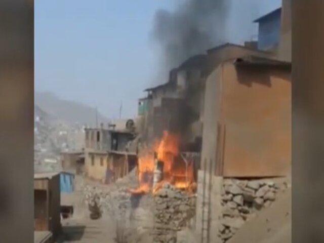 SJL: Un niño fallecido y 2 heridos dejó explosión de gas en una vivienda