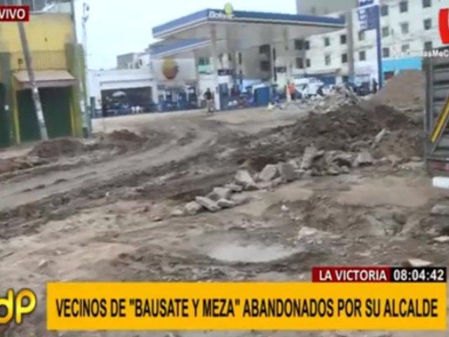 Vecinos protestan por obra sin concluir en Av. Bausate y Meza