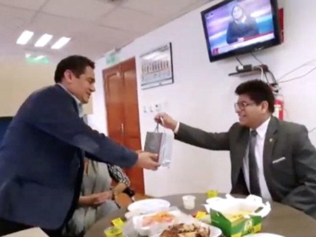Congresista celebró cumpleaños junto a varias personas pese a prohibición por Covid-19