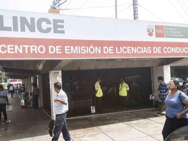Lince: cierran local del Ministerio de Transportes por impedir fiscalización