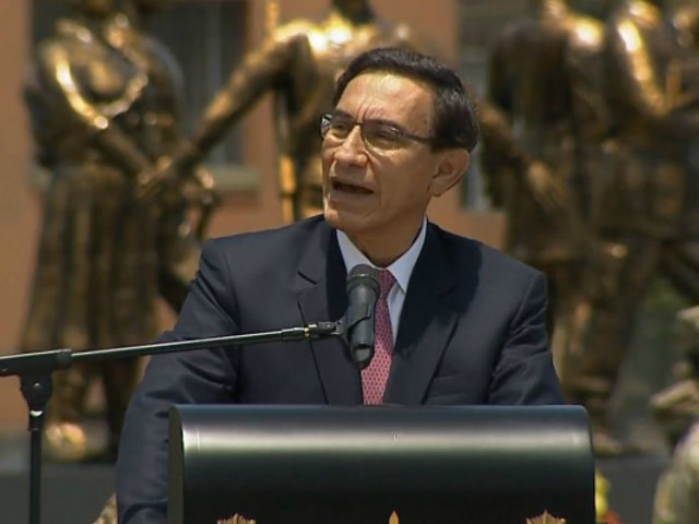 Presidente Vizcarra participa en ceremonia por el día de las Fuerzas Armadas