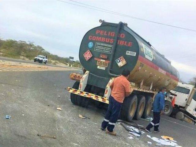 Piura: pasajeros de bus salvaron de morir tras impacto contra camión cisterna de combustible