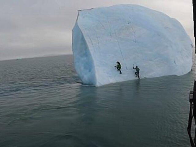 Exploradores se salvan de ser aplastados por un iceberg