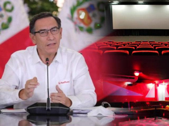 """Martin Vizcarra: """"Los bares, las discotecas y los cines todavía no pueden atender"""""""
