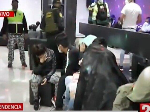 Independencia: Más de 20 personas son detenidas en vivienda que funcionaba como bar clandestino