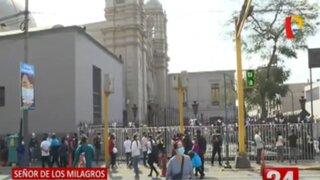 Colocan rejas en alrededores de Las Nazarenas para evitar aglomeraciones