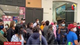 Cercado de Lima: Jaladores de ópticas protagonizan peleas por clientes