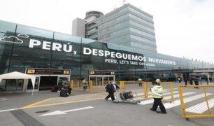 Vuelo procedente de Chile fue el primero en tocar suelo peruano