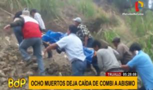 La Libertad: ocho muertos deja caída de combi a un abismo