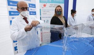 """Covid-19: EsSalud recibe 500 """"Aerosol box"""" o cajas de protección para intubación"""