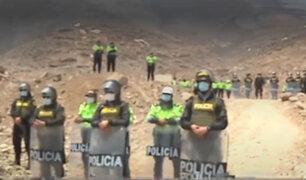 Carabayllo: desalojan a unas 30 familias que ocupaban parte de un cerro